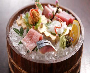 天然鮮魚お造り盛り合わせ 3種盛り 1,870円~